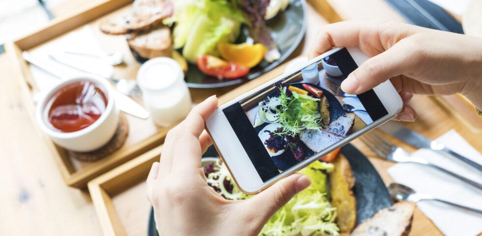 Más allá de la decoración y la gastronomía: 5 claves para que tu restaurante triunfe en redes sociales